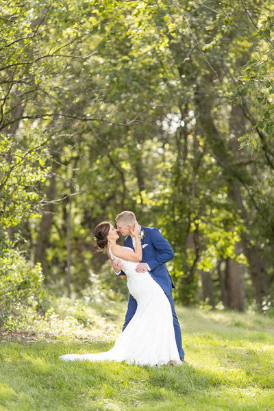 Downtown Sioux City  Sunset Bride and Groom Portraits | Jessica Brees Photography | Sioux City Wedding Photographer