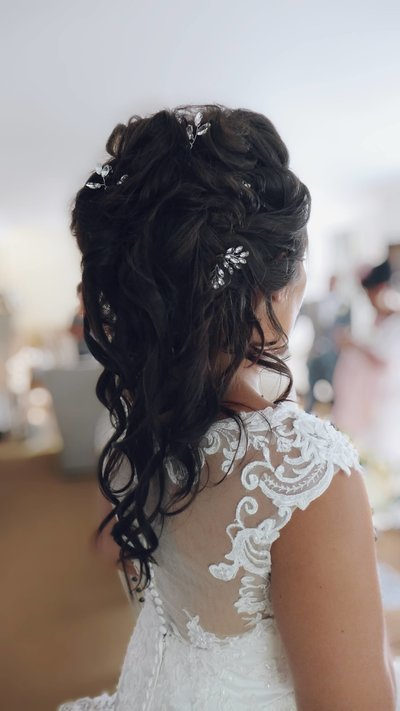 unique bridal hair style, medium hair