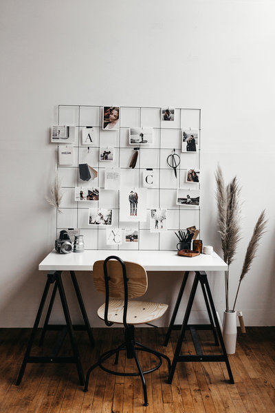 A+C-brandshoot-7-WEB-seattle-wedding-photographers-wall-photo-layout-workspace-desk-goals-aesthetic-minimal-grid-dream-light