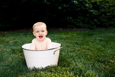 RENEE STENGEL Photography | Charlotte Portrait and Underwater Photographer |  First Birthday Milestone Outdoor Splash Bath
