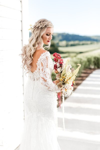Willow-Brooke-Barn-Elegant-Barn-Summer-Wedding-alexandra-robyn-photo-1_0013