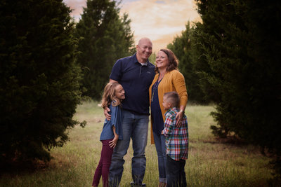 Fall-Family-Laughter-Samuell Farm.jpg