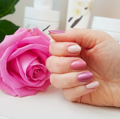 Linnails_pink_nails