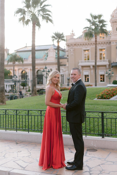 husband and  wife in place du casino Monaco