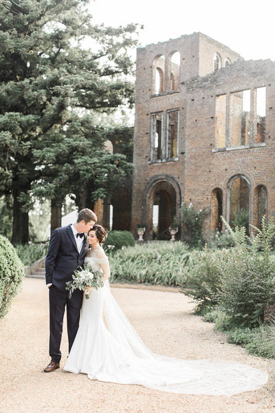 Barnsley-gardens-wedding-historic-ruins-ceremony-photo