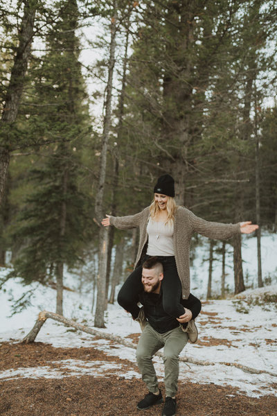 liv_hettinga_photography_snowy_mountain_engagement-4