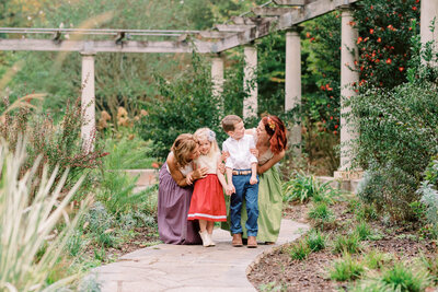Marietta Family Photographer, Lindsey Powell Photography captures families at locations in Atlanta, Marietta, Buckhead, Vinnings, Brookahaven, East Cobb, West Cobb, Woodstock, Roswell, Kennesaw, Powder Springs, Smyrna and more!