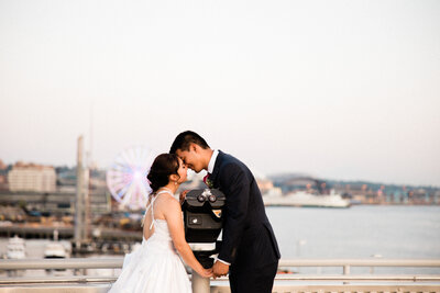 Seattle-Wedding-Photographer-And-Videographer-Edgewater-Hotel-Downtown-12