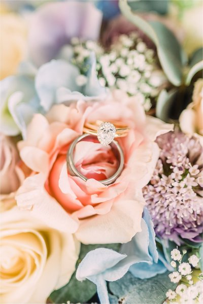 ring bridal bouquet