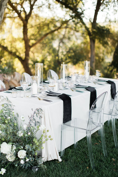 tablescape at a beautiful wedding venue