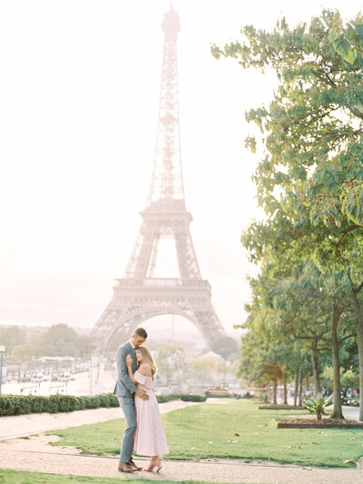 paris-engagement-session-eiffel-tower-engagement-session-paris-wedding-photographer-mackenzie-reiter-photography-3