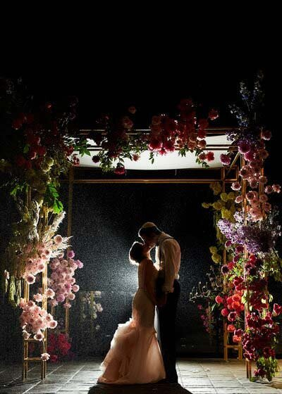 toronto-wedding-photographer-chuppah-flowers