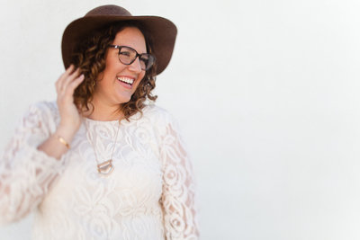 Amber Lea is a copywriter for creative entrepreneurs, photographers, wedding, and small businesses.