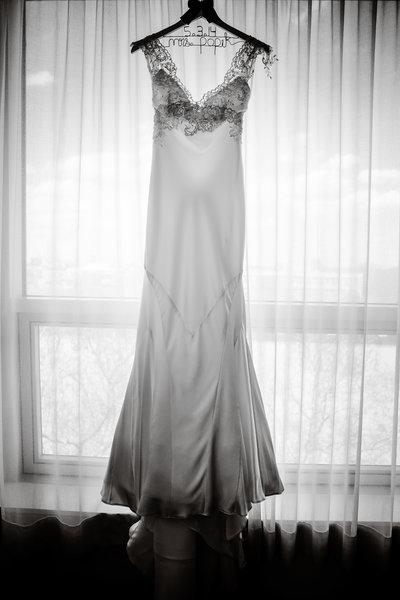 Brooklyn Wedding Photographer | Rob Allen Photography | Destination Wedding Photographer | getting-ready-dress