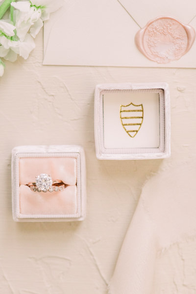 Fine Art Vintage Wedding Ring Set