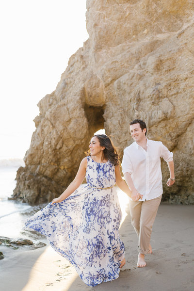 modern-malibu-beach-engagement-session-7