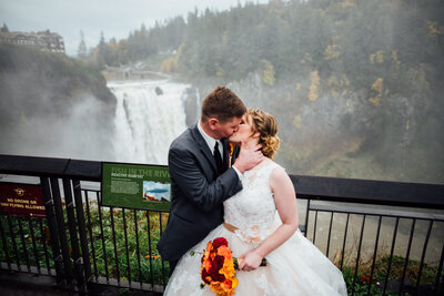 Salish Lodge is a wedding venue in the Seattle area, Washington area photographed by Seattle Wedding Photographer, Rebecca Anne Photography.