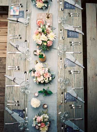 gray-hemp-fringe-napkin-gray-table-runner-hawaii-wedding-rentals