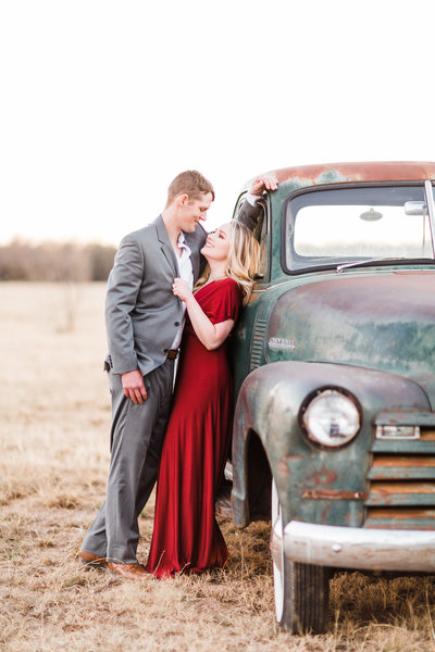 wedding-photographer-bride-groom-oklahoma-texas-engagement-photographer-engaged-chloe-photography-225