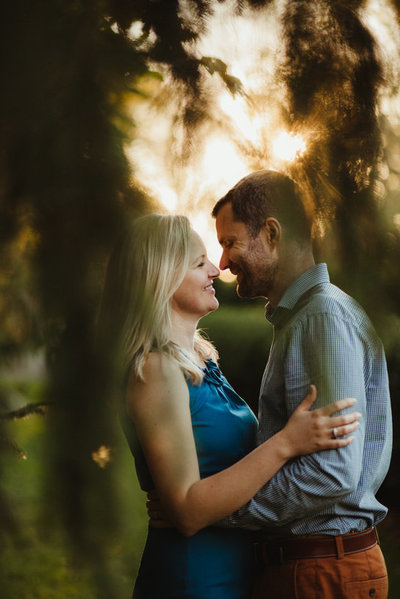 8_Outdoor_Couple_Engagement_Fall_Sunset_Maryland_Oregon_Ridge