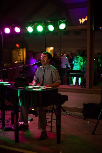 Bloomingdale-IL-Dueling-Pianos-Wedding-87-683x1024