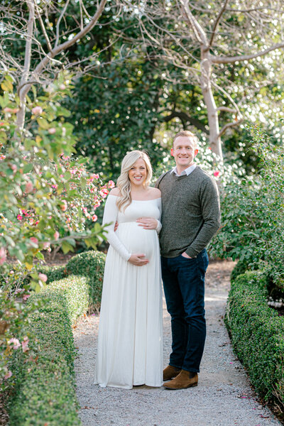 Katie & Nick's Maternity Sesison at the Dallas Arboretum | Dallas Portrait Photographer-1
