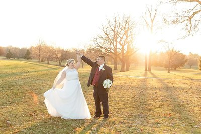 hickory-point-golf-course-bride-and-groom