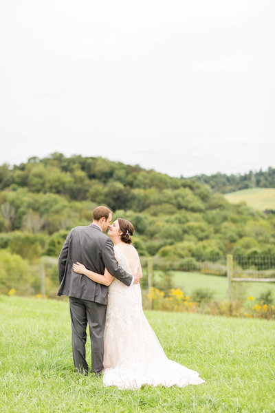 the-toolshed-breitenbach-winery-wedding-loren-jackson-photography-photographer-akron-ohio-63