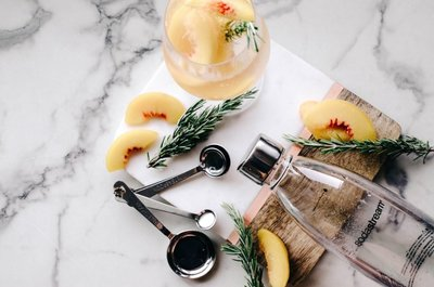 Elderflower-and-peach-sparkling-water-recipe