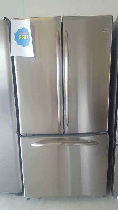 Discount- Appliances-Stainless-Steel-Fridge-3