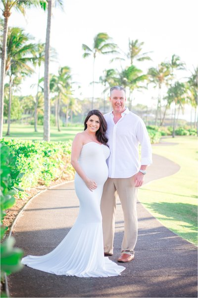Maternity Photographers in Maui, Hawaii