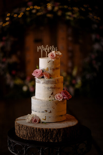 Cake at Wharfedale Grange, luxury barn wedding venue, yorkshire