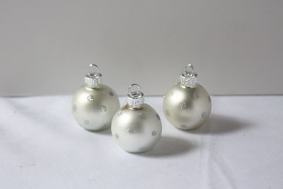 01022_Silver Ornament Table Number Holders