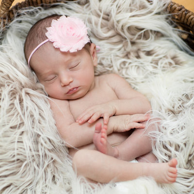 baby-photography-basket-little-girl
