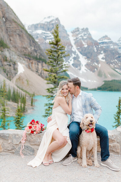 Junophoto_Madeleine_and_Kyle_engagement_session_Moraine_Lake-084