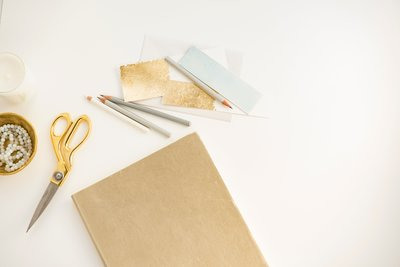 Stationary for copywriter Amber Lea Russell who specializes in crafting brand messaging for creatives, photographers, and others in the wedding industry.