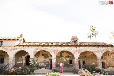 Mission San Juan Capistrano Engagement Photos Unique Orange County Professional