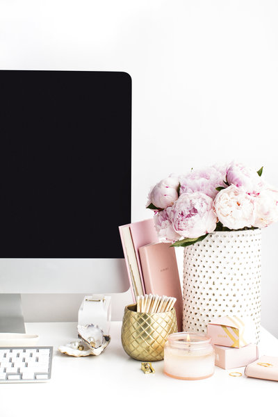 Blush Peonies Desktop_Feminine Styled Stock Photography_SC Stockshop-11 (1)