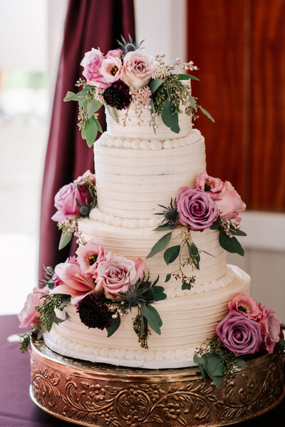 Knoxville Wedding Venue Cake Table