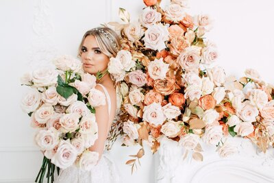 CoralPinkGoldWedding-COCObyCoversCouture-TorontoWeddingFlowers-PT.jpg11