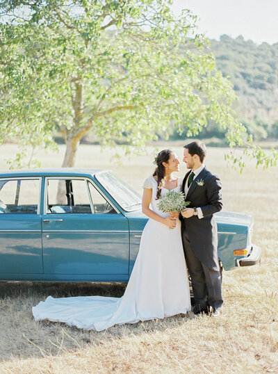 wedding_with_a_vintage_car_in_marvão-3