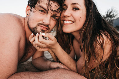 athena-and-camron-hawaii-kauai-travel-couple-tips-43-selfie-sand