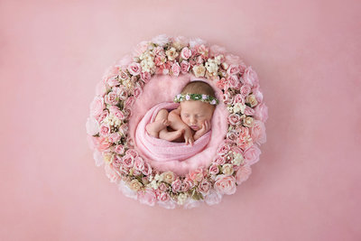 newborn in flowers237