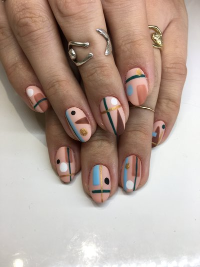 abstract nails before