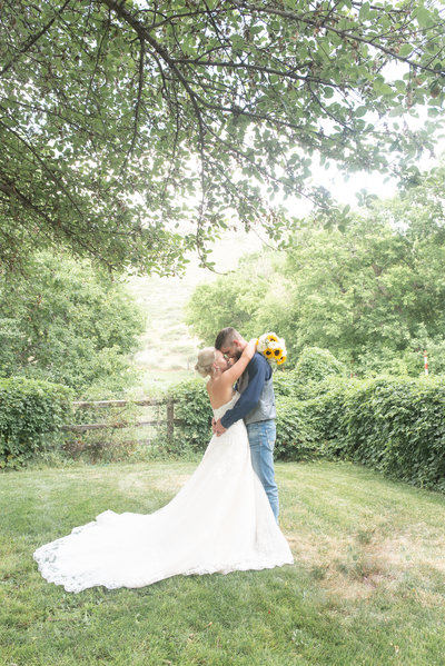 Lyons Farmette summer wedding