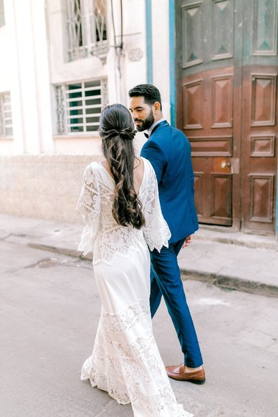 Magdalena+Studios+Destination+Wedding+Photographer+Havana+Cuba+Stylish+Elopement24