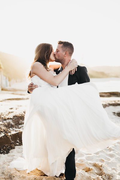 athena-and-camron-seattle-sydney-wedding-photographer-anniversary-beach-boho-couple2