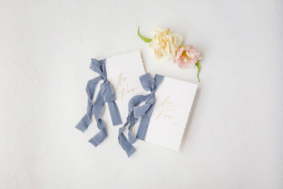 fine-art-wedding-vow-books-with-ribbon-from-beautifully-noted