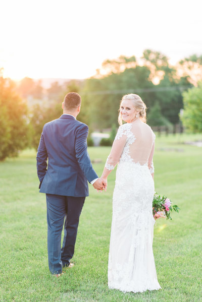 lucklovephotographynorthernvirginiaweddingphotographercourtneyjosesweddingbridalportraits28