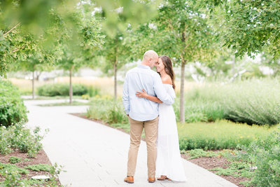late-summer-milwaukee-engagement-Katie-schubert-wisconsin-wedding-photographer-46 (1)